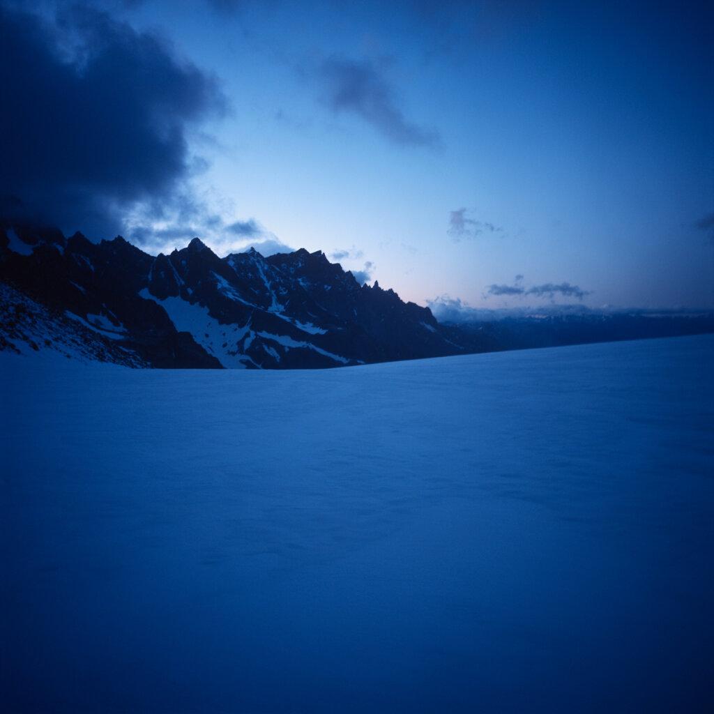 Tôt sur le Glacier Blanc, regard vers l'Est