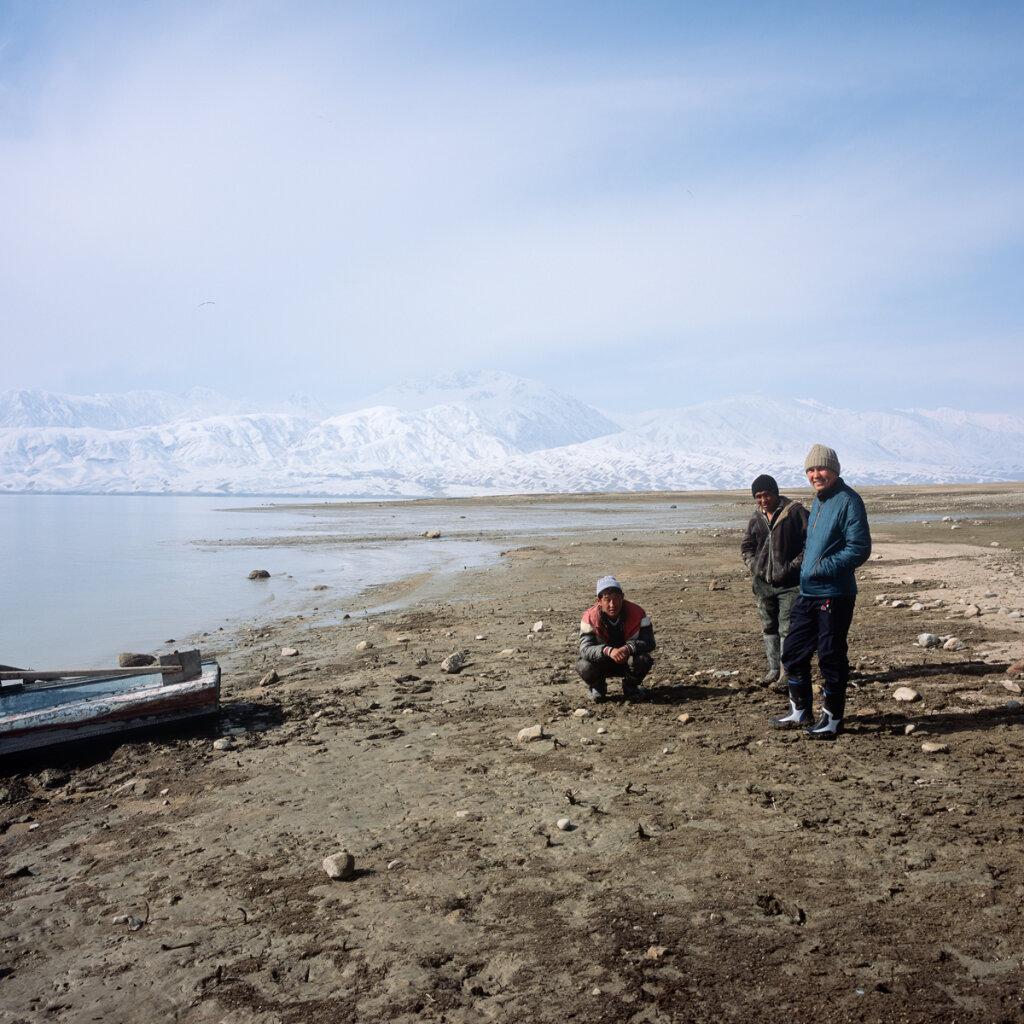 Pecheurs sur le reservoir de Toktogul